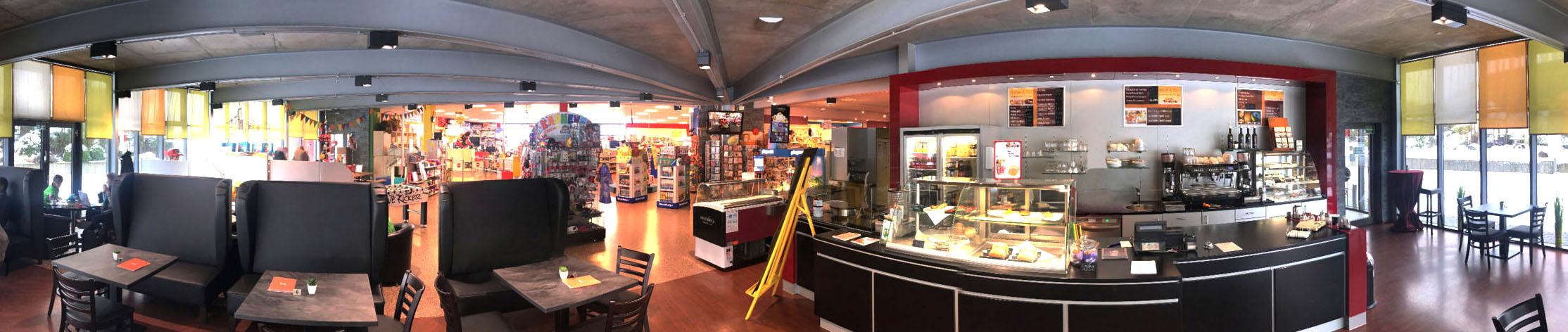 Panoramaufnahme Café Da Roberto aus Spielwarengeschäft in Hachenburg